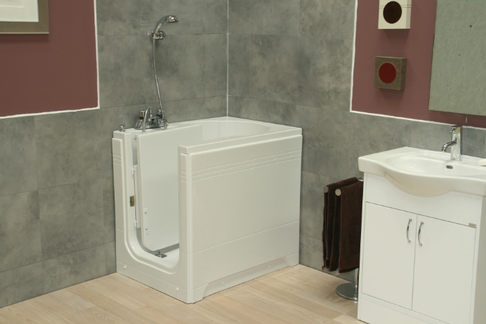 Maestro Walk in Bath Room Set